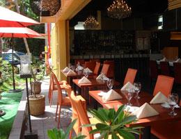 ハワイの風を感じながら、白金本店の味をご堪能ください Jinroku Pacific